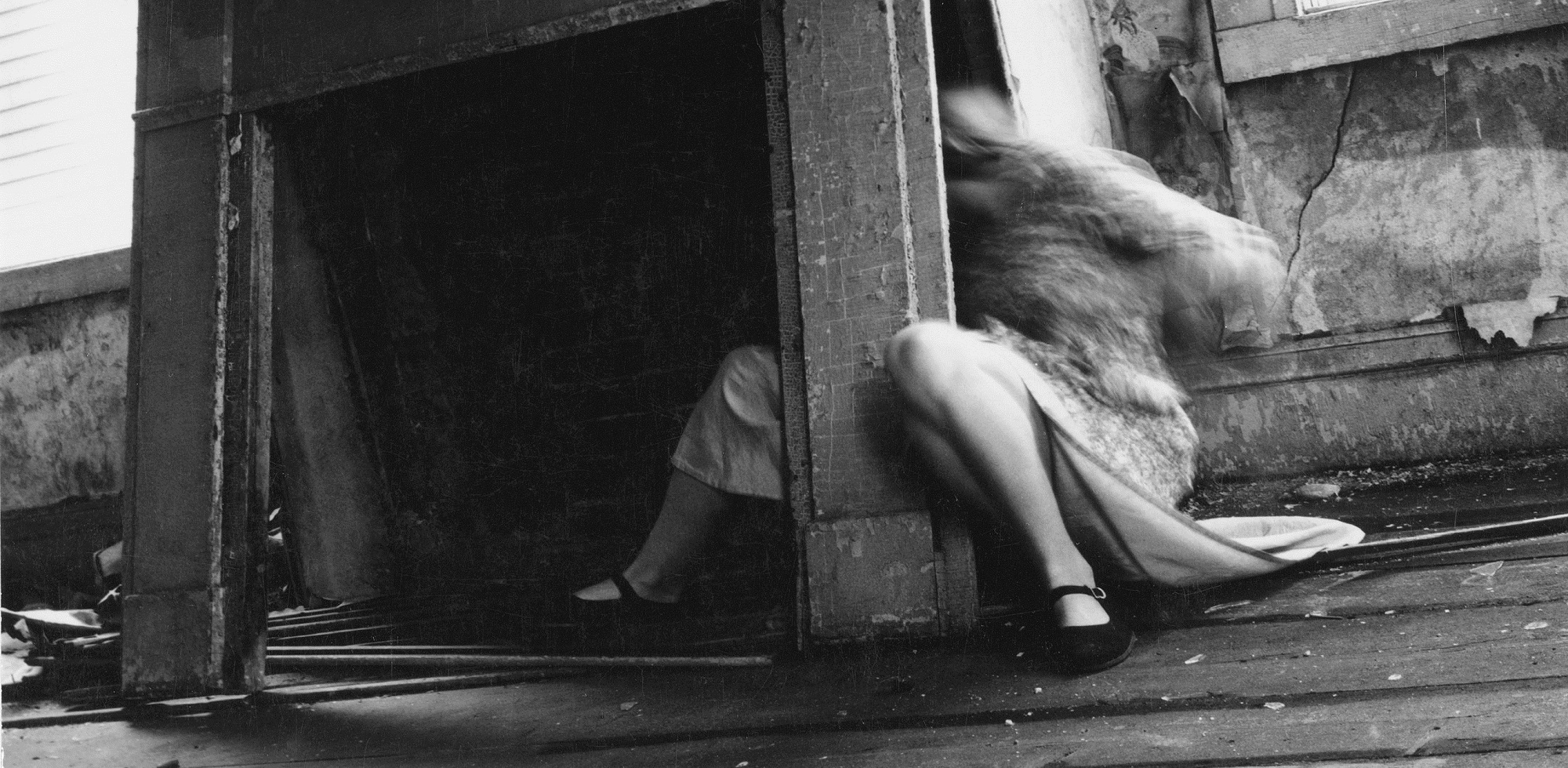 Transitory ghosts and angels in the photography of francesca woodman 2007