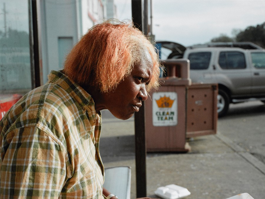 paul-graham-new-orleans-woman-eating-2004